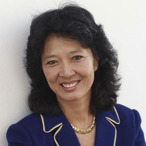 Della Lin